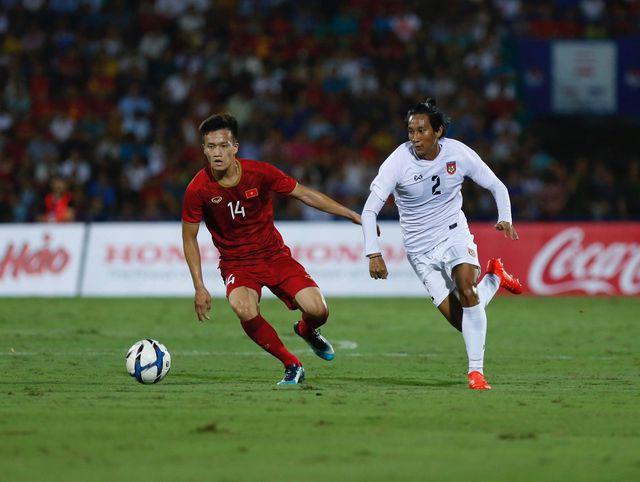 Hoàng Đức chơi nổi bật bên phía U23 Việt Nam
