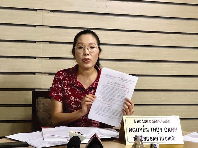 Bà Nguyễn Thụy Oanh sắp đến ngày sinh lo giải quyết sự cố xung quanh cuộc thi với báo chí