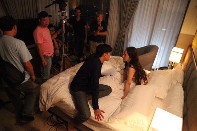 Hậu trường cảnh giường chiếu của cặp đôi được hé lộ...