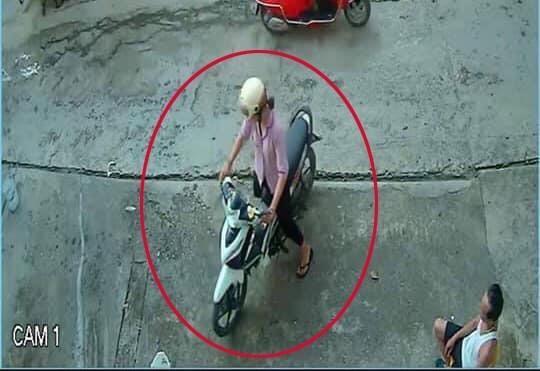 Camera ghi lại hình ảnh chị Huyền trước khi mất tích.