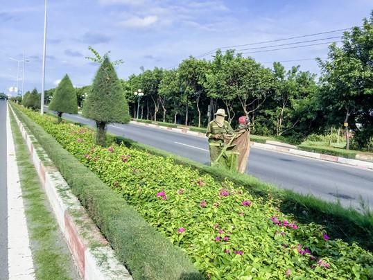 Hiện một số tỉnh có trục đường tỉnh lộ, quốc lộ đã trồng nhiều cây xanh, tạo cảnh quan đẹp và giảm được nhiều bức xạ xấu như trục đường quốc lộ về Bà Rịa – Vũng Tàu. Ảnh: T.L