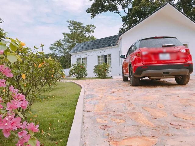 Dù bận rộn với lịch quay phim nhưng Đỗ Duy Nam vẫn thường xuyên lên Tam Đảo trong suốt quá trình thi công căn nhà.