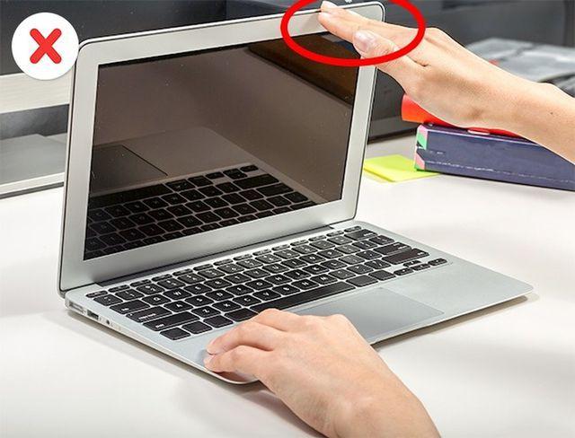 Đóng và mở máy tính không đúng cách