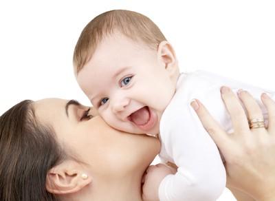 Trẻ khỏe mạnh là niềm vui của cha mẹ. Ảnh minh họa.