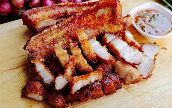 4 sai lầm khi chiên thịt khiến bạn rước ung thư, giảm tuổi thọ - Ảnh 1.