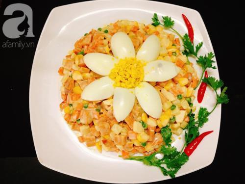 Cách làm salad Nga chuẩn ngon từ đầu bếp nhà hàng - Ảnh 4.