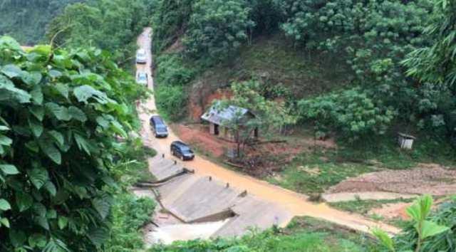 Lực lượng chức năng đã tiếp cận đươc bản Sa Ná nơi có 10 người đang mất tích - Ảnh 1.