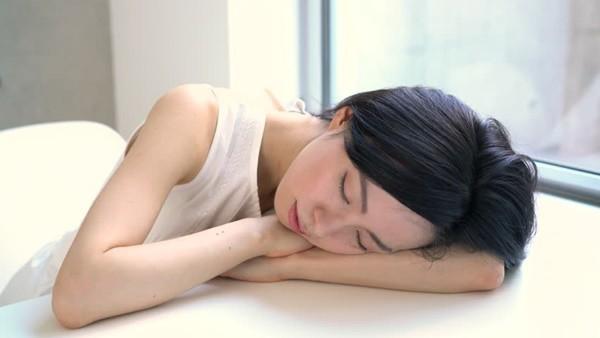 Giới khoa học khẳng định: Ngủ trưa ít nhất 2 lần/tuần giúp kéo dài tuổi thọ, giảm 48% nguy cơ đột quỵ - Ảnh 1.