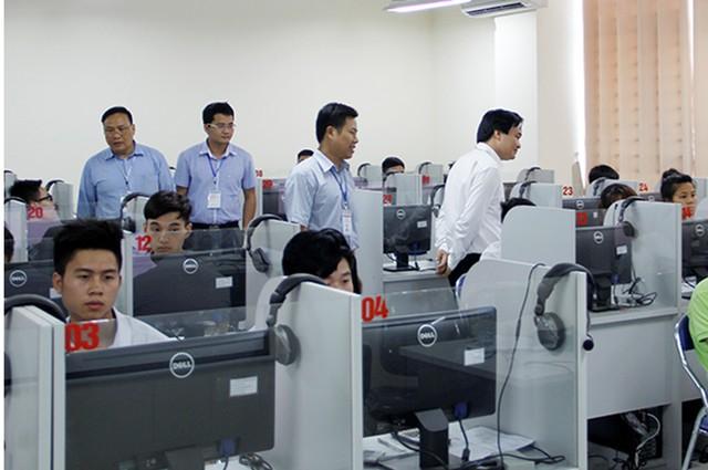 Thi tốt nghiệp THPT trên máy tính có khắc phục được gian lận thi cử? - Ảnh 1.