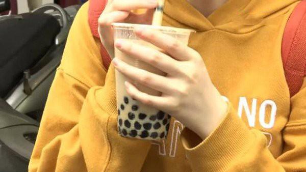 Chàng trai hôn mê, suy đa tạng vì một ngày uống gần 1000ml trà sữa, ăn đồ ngọt thay cơm - Ảnh 1.