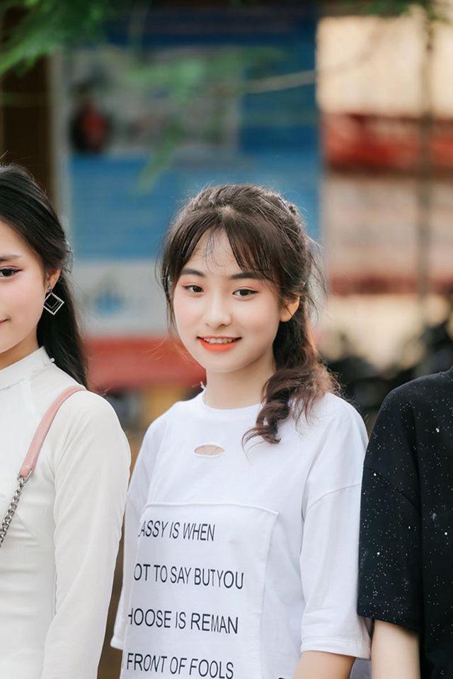 Nữ sinh Thái Nguyên bất ngờ nổi tiếng sau màn biểu diễn trong lễ khai giảng - Ảnh 5.