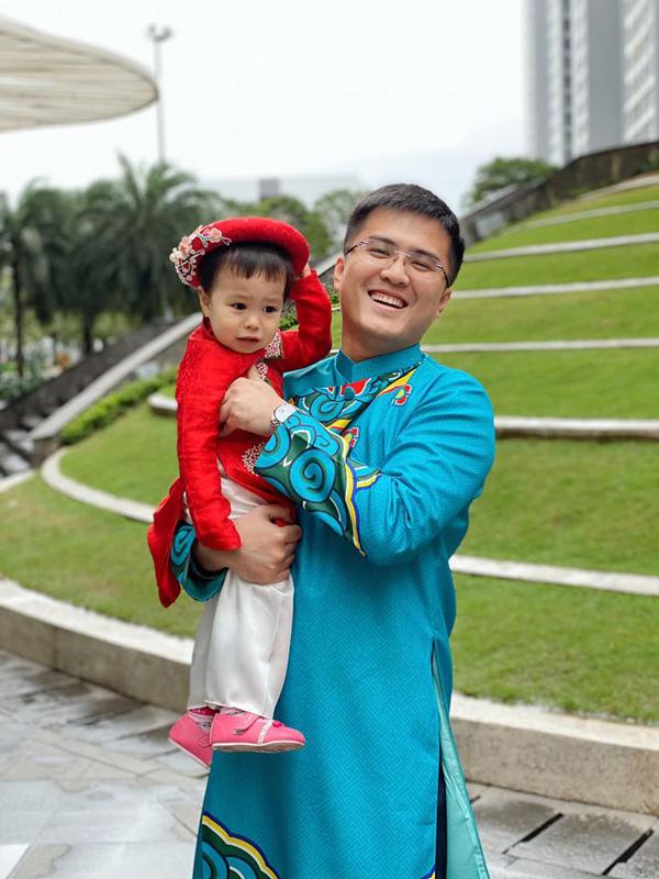 Bạn trai chụp ảnh Tết cùng gia đình Hoa hậu Ngọc Hân làm dấy lên nghi vấn sắp có một đám cưới đẹp - Ảnh 8.