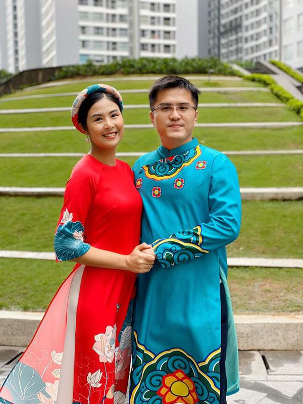 Bạn trai chụp ảnh Tết cùng gia đình Hoa hậu Ngọc Hân làm dấy lên nghi vấn sắp có một đám cưới đẹp - Ảnh 1.