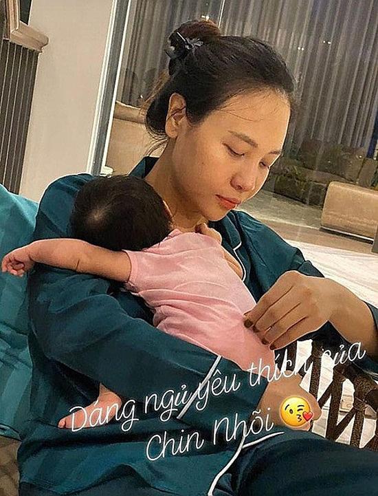 Cuộc sống bỉm sữa của vợ chồng Đàm Thu Trang - Ảnh 3.