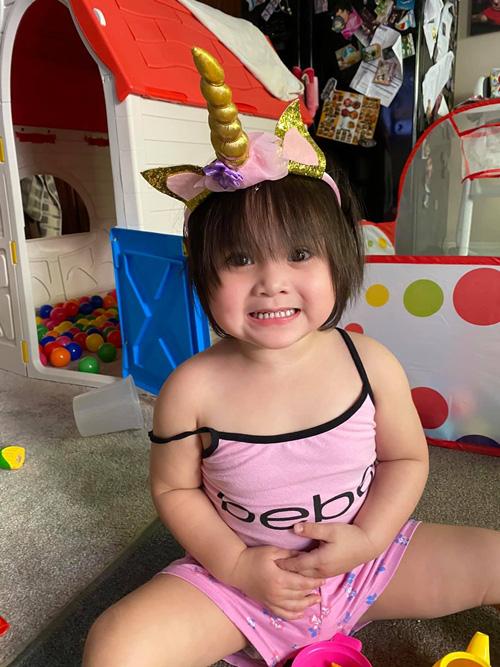 Con gái 3 tuổi như bản sao lúc nhỏ của Y Phụng - Ảnh 4.