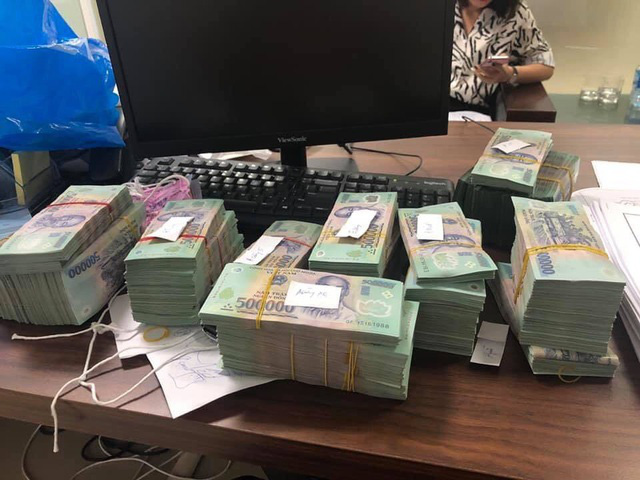 Đại gia tiền mặt vác bao tải, xếp như chồng gạch đi mua nhà Hà Nội - Ảnh 5.