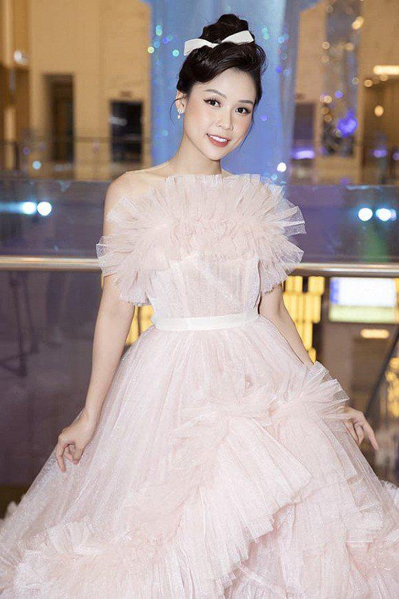 Hà Tăng diện váy basic vẫn cân đẹp dàn sao hóa nữ thần, công chúa - Ảnh 9.