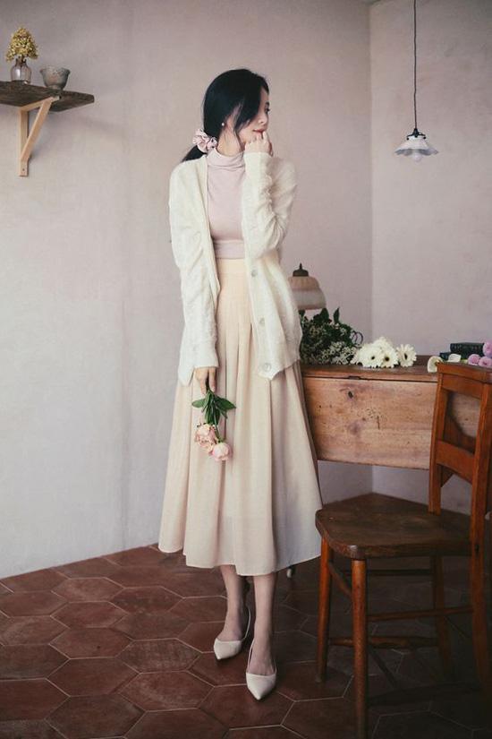 Những kiểu đầm cổ điển mùa thu cho nàng công sở - Ảnh 2.