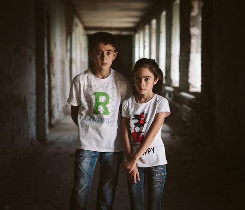 Những bức hình đầy ám ảnh và ký ức kinh hoàng sau 16 năm vụ thảm sát con tin gây chấn động thế giới tại Trường học Số 1 - Ảnh 5.