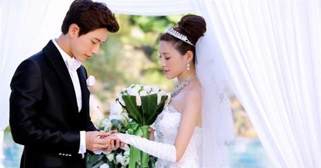 Phát hiện ý đồ hèn hạ của chú rể khi đi rước dâu, cô dâu ân hận chỉ muốn vứt hoa cưới ngay bên vệ đường - Ảnh 2.