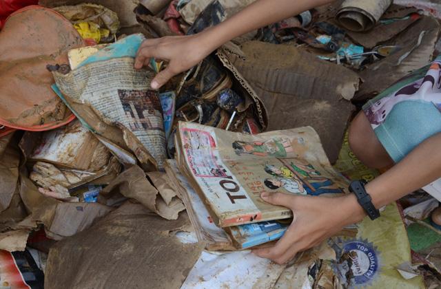 Hỗ trợ đặc biệt 25% tiền sách khi mua tặng cho học sinh vùng lũ lụt miền Trung - Ảnh 1.