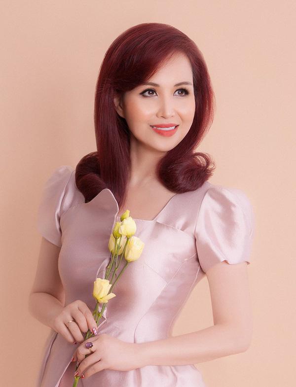 Cuộc sống sau 30 năm đăng quang của Hoa hậu Việt Nam giỏi ngoại ngữ nhất - Ảnh 5.