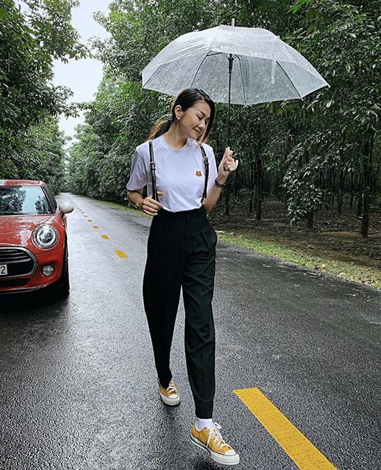 Mix đồ dạo phố mùa thu như sao Việt - Ảnh 8.
