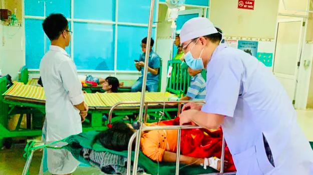 Hai bệnh viện thuộc Bộ Y tế kích hoạt đội cơ động sẵn sàng hỗ trợ Quảng Nam khi có lệnh - Ảnh 2.
