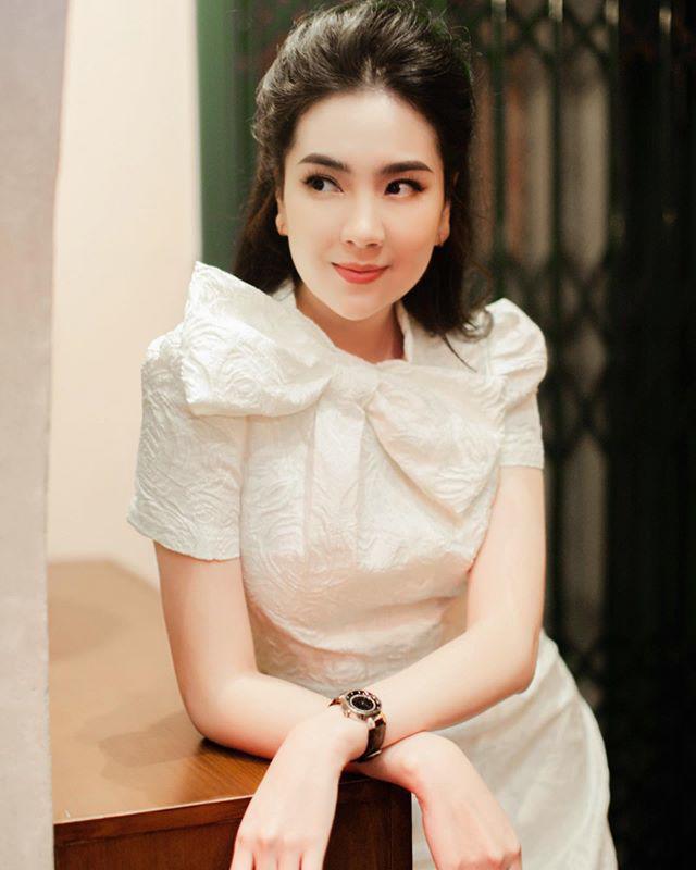 Khoe mặc váy đôi với nữ thần Hàn Quốc, Mai Ngọc hóa quý cô thời thượng đẹp chẳng thua - Ảnh 11.