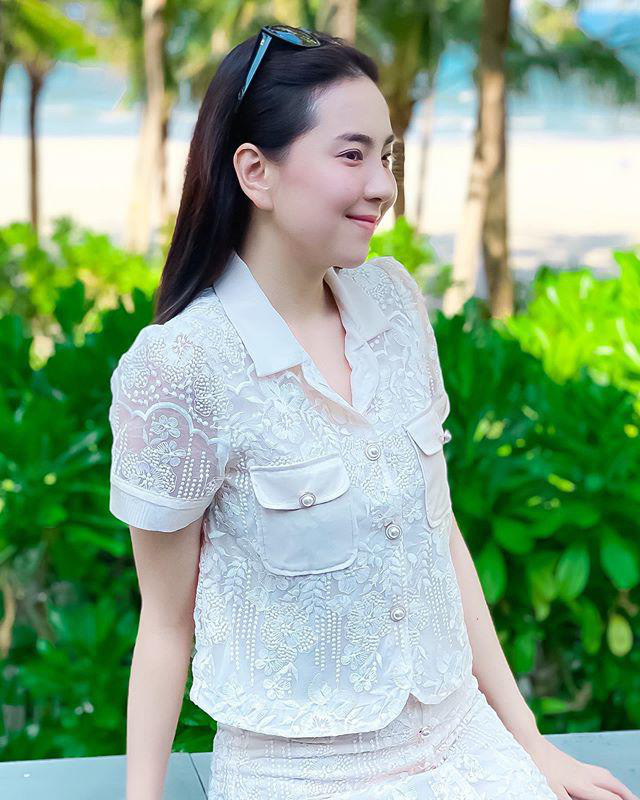 Khoe mặc váy đôi với nữ thần Hàn Quốc, Mai Ngọc hóa quý cô thời thượng đẹp chẳng thua - Ảnh 14.