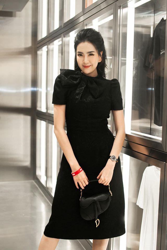 Khoe mặc váy đôi với nữ thần Hàn Quốc, Mai Ngọc hóa quý cô thời thượng đẹp chẳng thua - Ảnh 16.