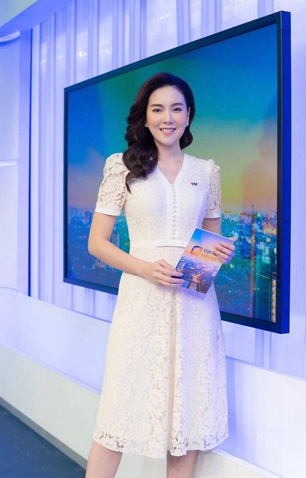 Khoe mặc váy đôi với nữ thần Hàn Quốc, Mai Ngọc hóa quý cô thời thượng đẹp chẳng thua - Ảnh 17.
