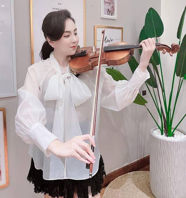 Khoe mặc váy đôi với nữ thần Hàn Quốc, Mai Ngọc hóa quý cô thời thượng đẹp chẳng thua - Ảnh 9.