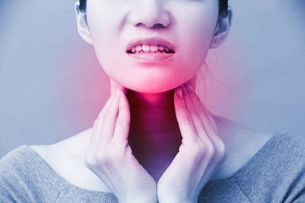 Cảnh báo 3 dấu hiệu sớm của bệnh ung thư vòm họng không nên bỏ qua - Ảnh 2.