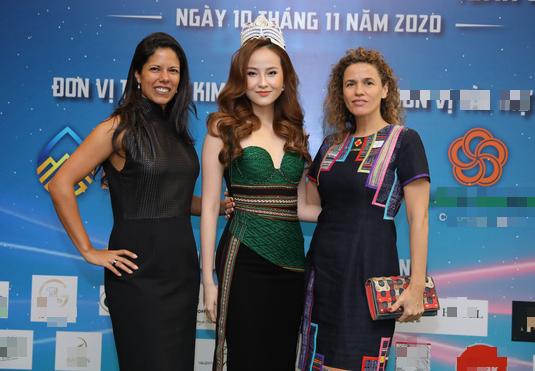 Hoa hậu Ngọc Hân hội ngộ Khánh Ngân trong Lễ hội văn hóa thổ cẩm Việt Nam  - Ảnh 3.