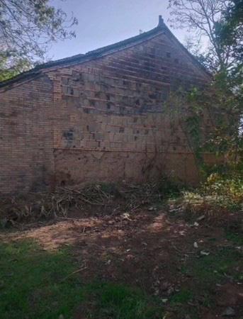 Thiếu niên 15 tuổi bị 6 người vây đánh đến chết rồi chôn xác ở bãi hoang: Nhiều tình tiết gây phẫn nộ, nguyên nhân vụ việc vẫn là ẩn số - Ảnh 2.