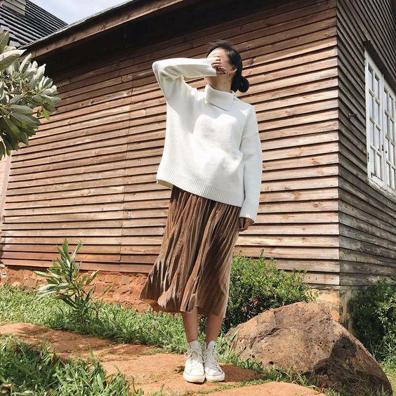 3 cách phối áo len chất lừ mùa thu đông 2020, những cô nàng quê mùa nhất cũng có thể dễ dàng thực hiện thành thạo - Ảnh 15.