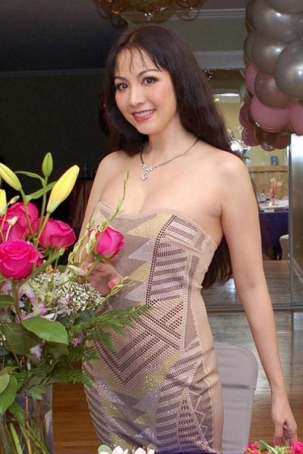 3 Hoa hậu Việt Nam tài sắc vẹn toàn nhưng tình duyên lận đận, có người 2 lần đò không bến đỗ - Ảnh 4.