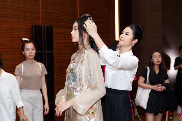 Tiết lộ vai trò đặc biệt của Ngọc Hân trong đêm Chung kết Hoa hậu Việt Nam 2020 sau 10 năm đăng quang - Ảnh 3.