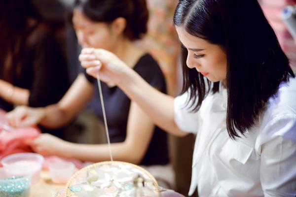 Tiết lộ vai trò đặc biệt của Ngọc Hân trong đêm Chung kết Hoa hậu Việt Nam 2020 sau 10 năm đăng quang - Ảnh 2.