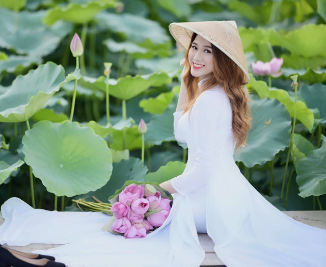 Nhan sắc mộc mạc và nụ cười hút hồn của Tân Hoa hậu Việt Nam 2020 - Ảnh 7.