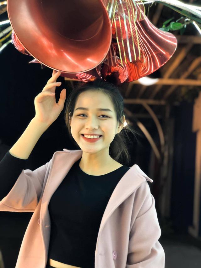 Nhan sắc mộc mạc và nụ cười hút hồn của Tân Hoa hậu Việt Nam 2020 - Ảnh 11.