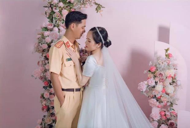 Bị xử lý vi phạm giao thông, hơn 1 năm sau cô gái cưới luôn... anh cảnh sát - Ảnh 2.