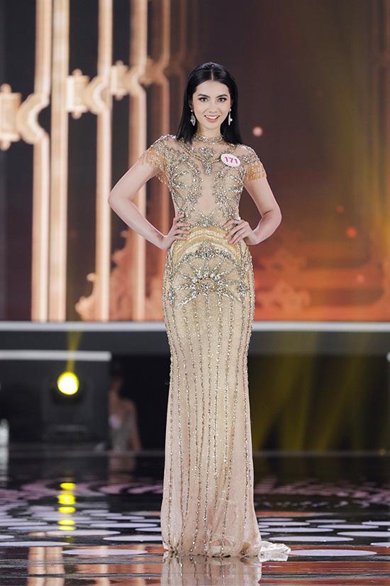 Thí sinh Hoa hậu Việt Nam 2020 lộng lẫy với đầm dạ hội - Ảnh 15.