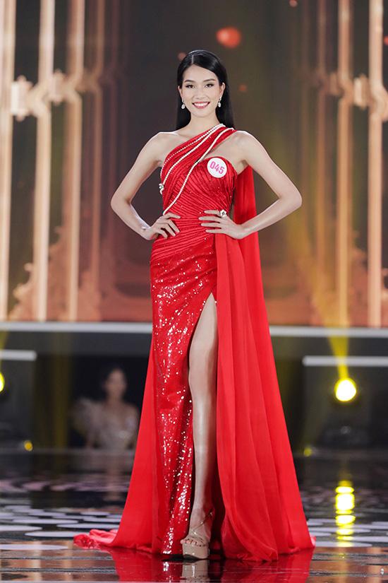 Thí sinh Hoa hậu Việt Nam 2020 lộng lẫy với đầm dạ hội - Ảnh 3.