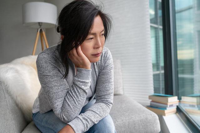 Bạn gái của con trai thật… đáng ghét, tôi nên làm gì? - Ảnh 1.