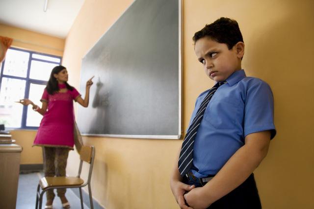Hai chuyên gia người Anh bàn phương pháp giáo dục không trừng phạt - Ảnh 1.