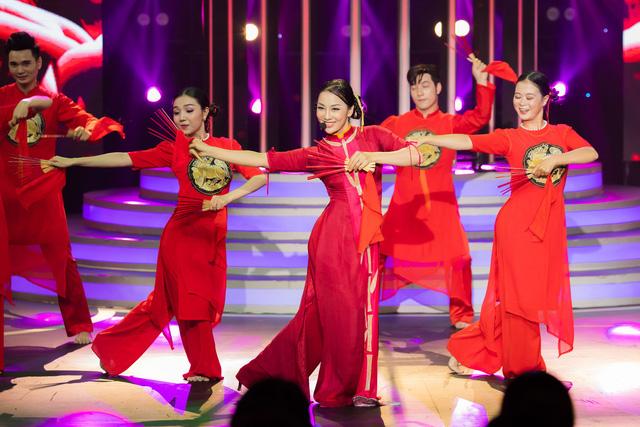 Phạm Việt Thắng ghi chiến thắng đầu tiên trong tập mở màn Gương mặt thân quen - Ảnh 3.