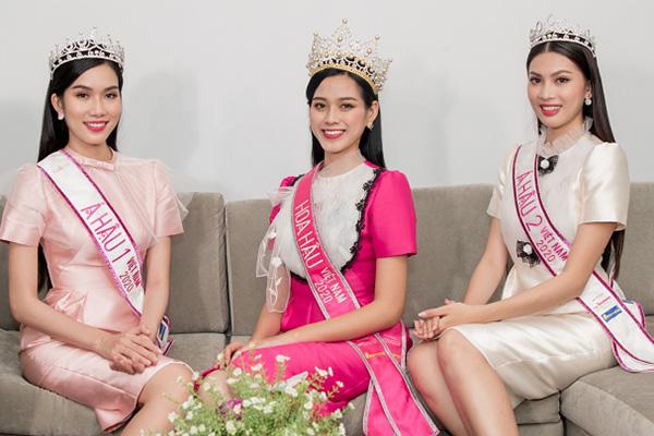 Ảnh tân Hoa hậu Đỗ Thị Hà lấm lem đi cấy gây sốt trên mạng - Ảnh 9.