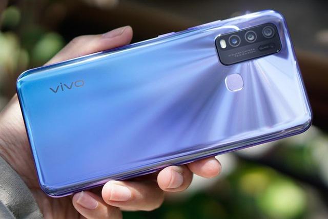 8 mẫu smartphone có pin trâu nhất trên thị trường - Ảnh 2.